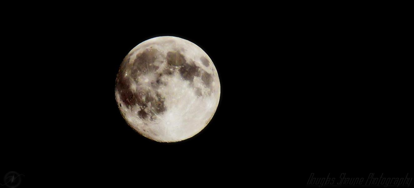 Luna Llena by Thugnastay227