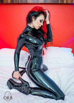 Starfucked: Purrfect Pins Luscious In Black Latex