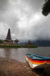Pura Ulun Danu Bratan - Bali, Indonesia (low tide)