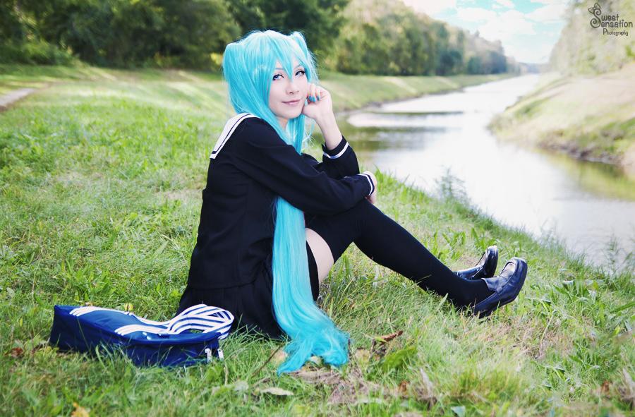 School Girl Miku II by EnchantedCupcake