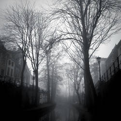 The Fog Consumes by sneakazz