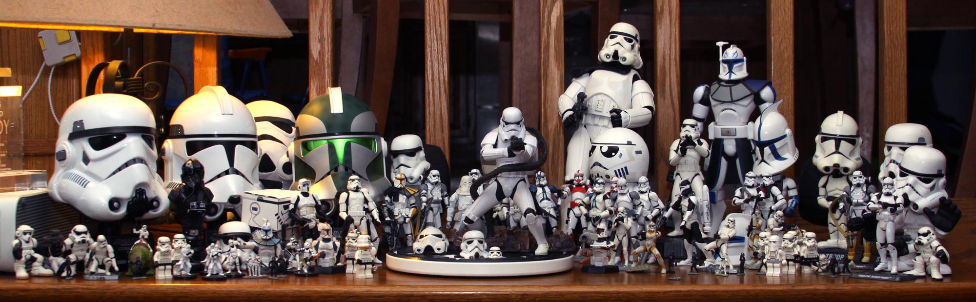 Troopers On My Desk by DanielMead