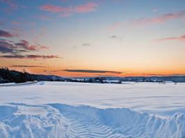 Snowy landscape by NorwegianAnette