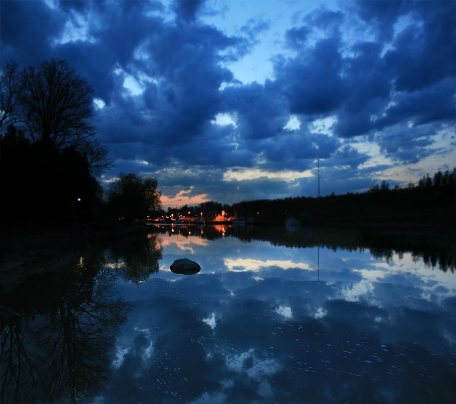 Summer dusk by Xiefzey