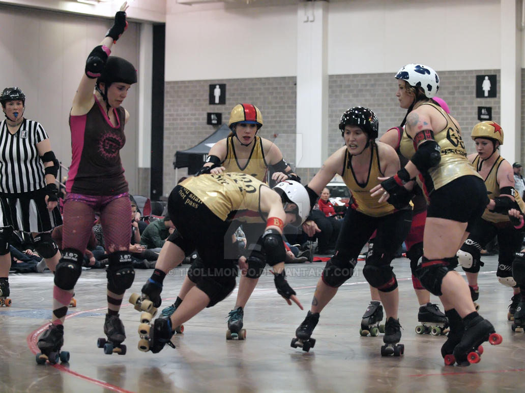 Roller Derby...The Mad Rollin Dolls 6 by trollmongo