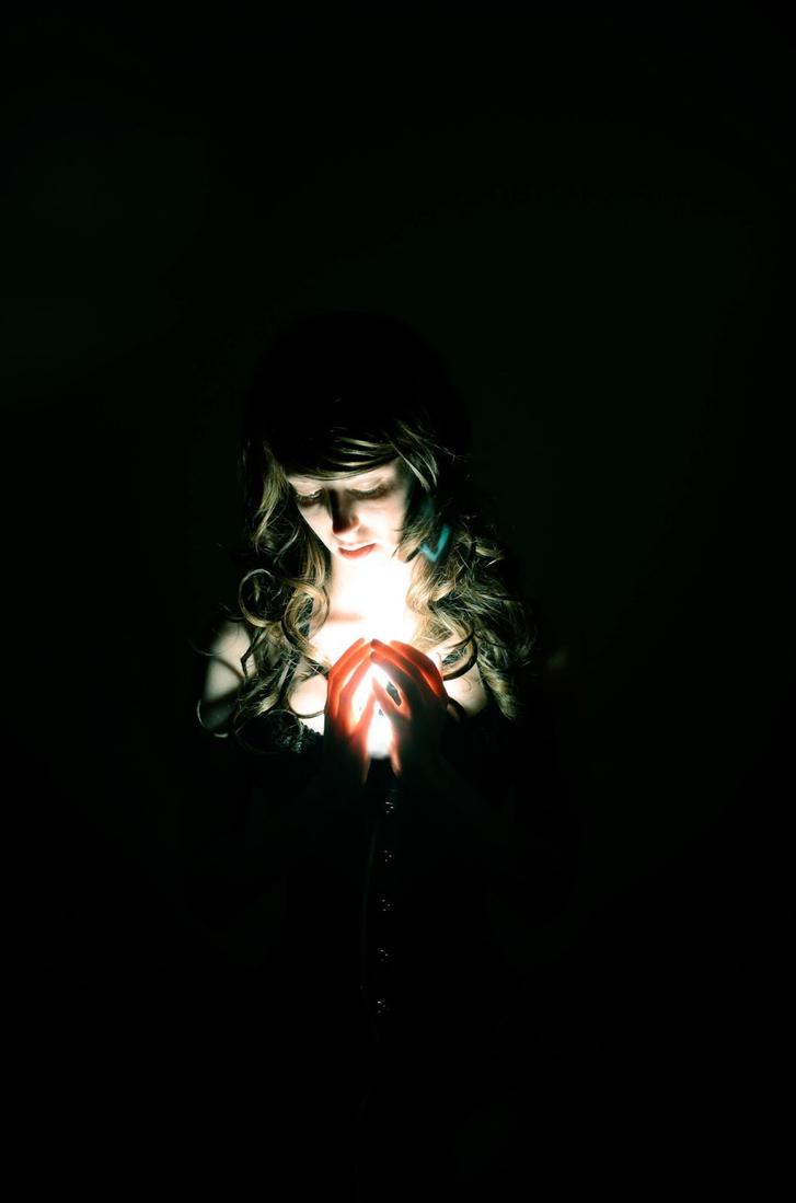 Afraid of the dark by Fayde2Memory