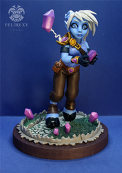 Calith figurine close-up by FelinexyCW