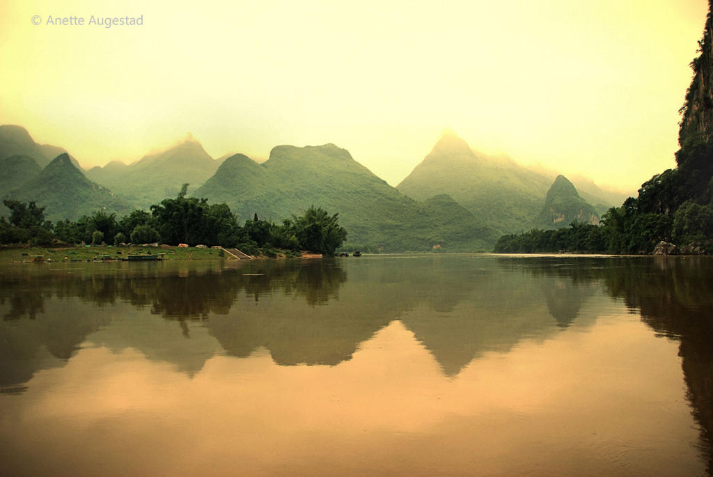 Li River Light by Hestefotograf
