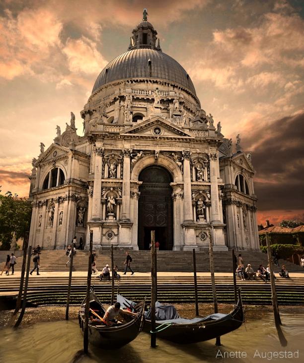 Venice Academica by Hestefotograf