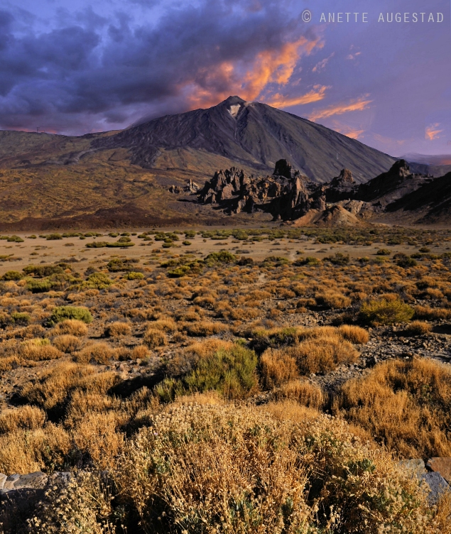 Mount Teide by Hestefotograf
