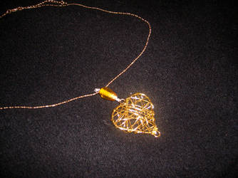 Golden Heart Chain by pico-pito