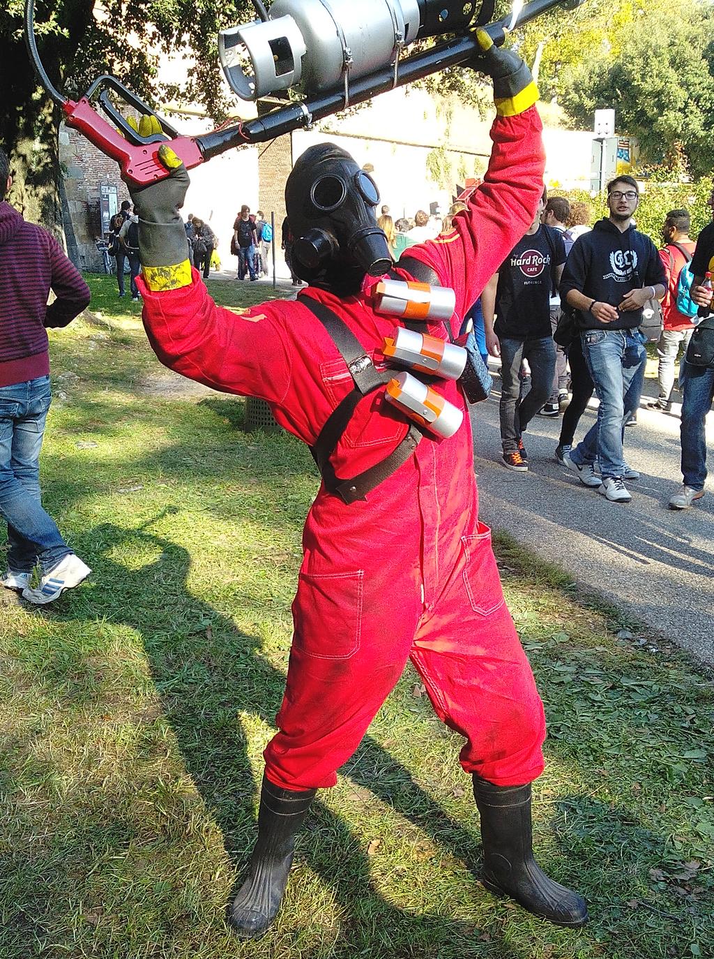 Pyro Tf2 Cosplay TF2 cosplay - The Pyro...
