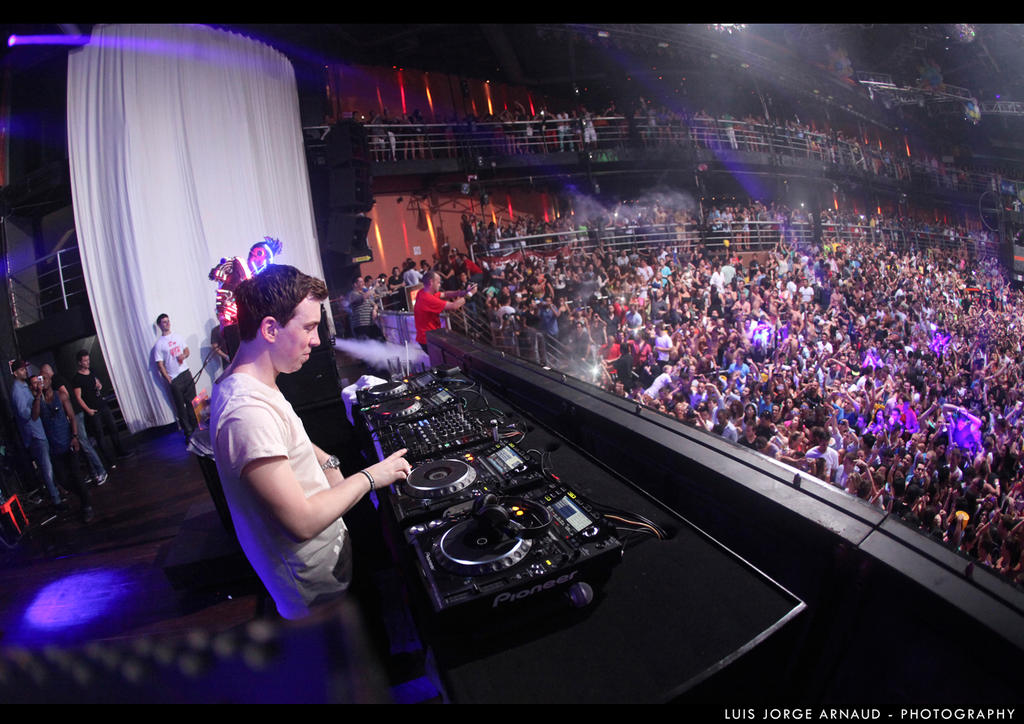 Dj hardwell the city cancun 4 by pearlchair on deviantart dj hardwell the city cancun 4 by pearlchair altavistaventures Image collections