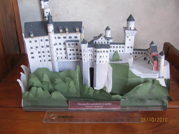 Neuschwanstein Papercraft by x0xChelseax0x