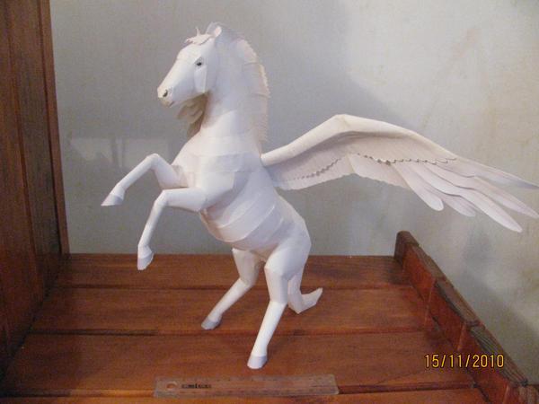 Pegasus Papercraft by x0xChelseax0x