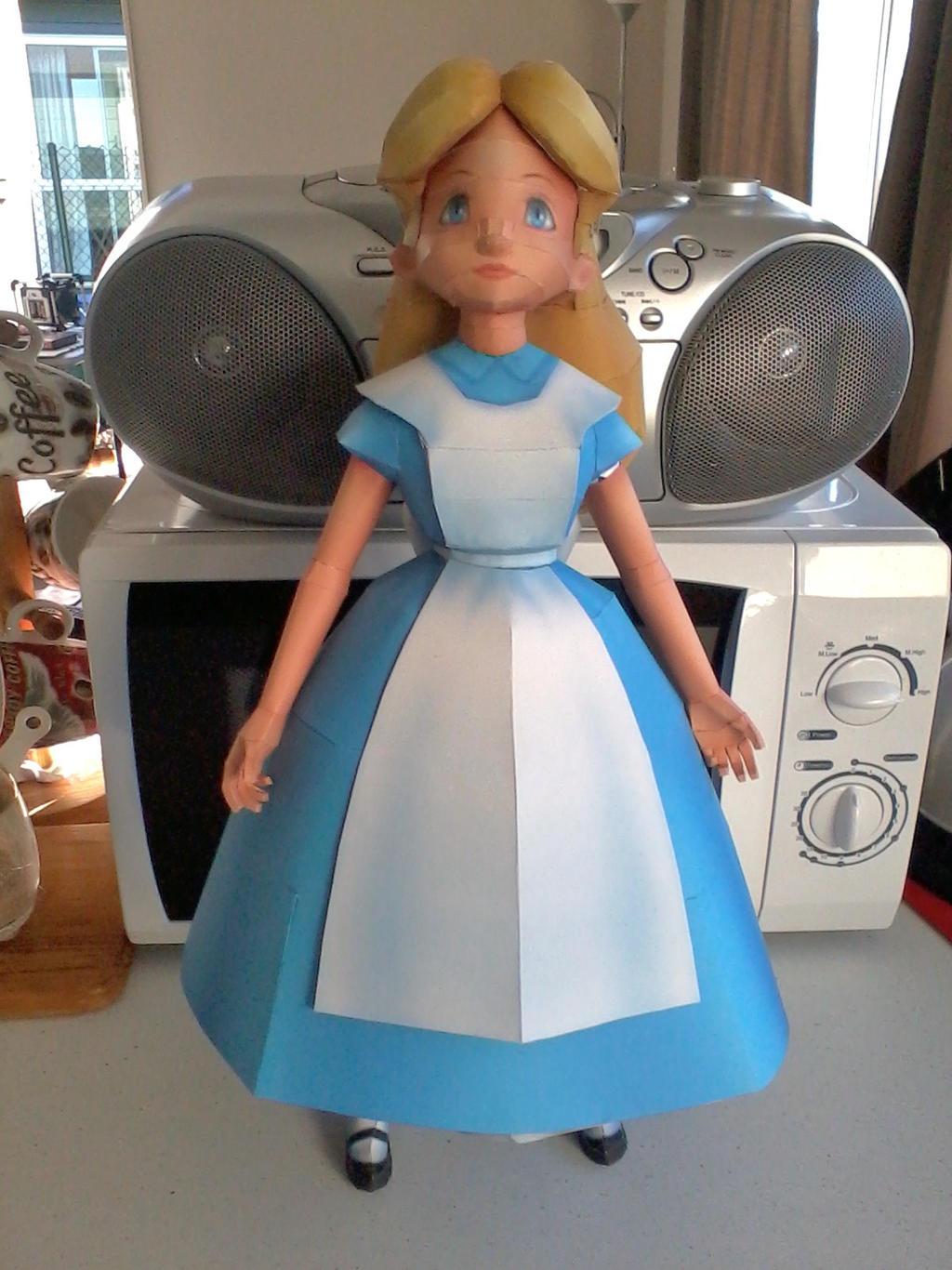 Alice in wonderland papercraft by x0xchelseax0x on deviantart for Alice in wonderland crafts