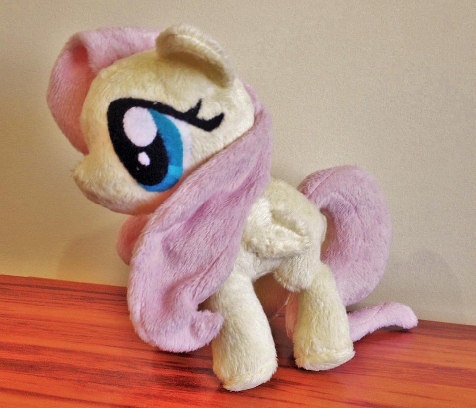 Small Fluttershy Plushie by x0xChelseax0x