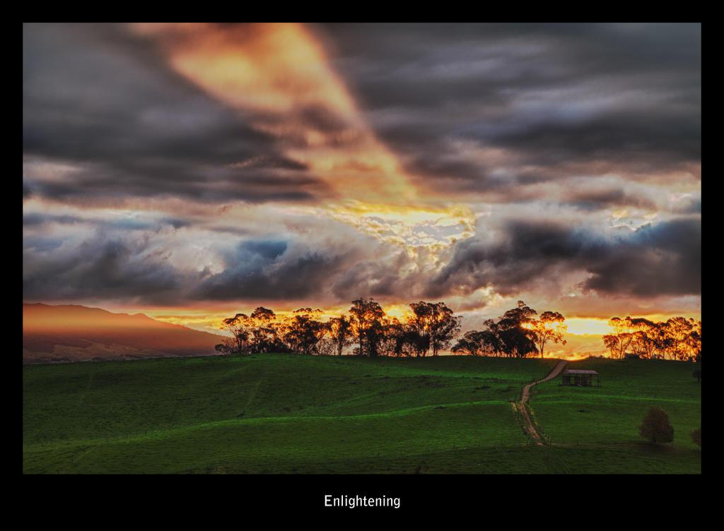 Enlightening by Capturing-the-Light