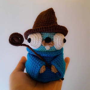 Go Gopher in mage outfit