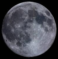 Full Moon.... by S-e-n-t-e-n-z-a