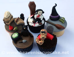 Halloween Cupcakes 2011 by peeka85