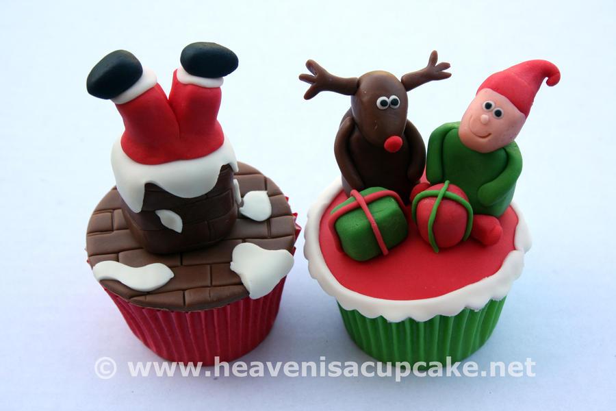 Novelty Christmas Cupcakes 2011 by peeka85