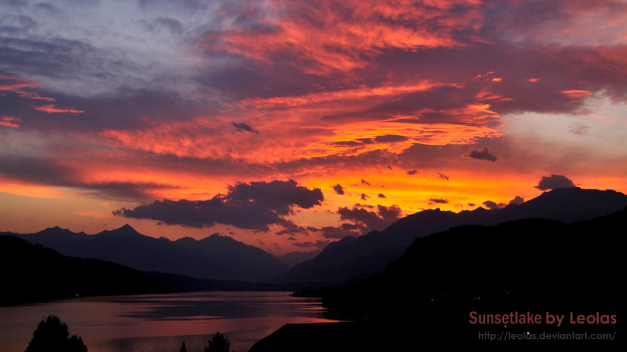 Sunset Lake by LeoLas