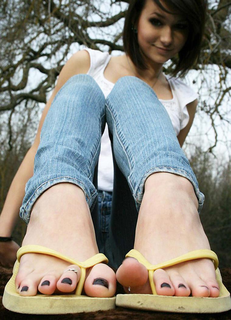 Giantess girls nackt clip