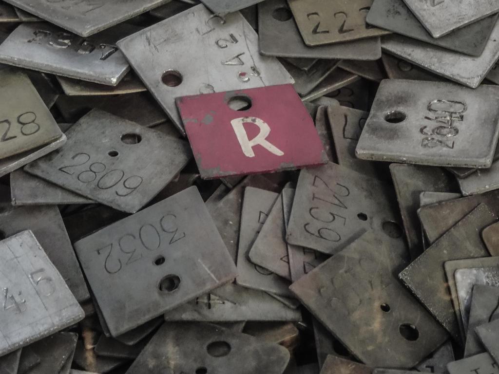 just R by Rrobert