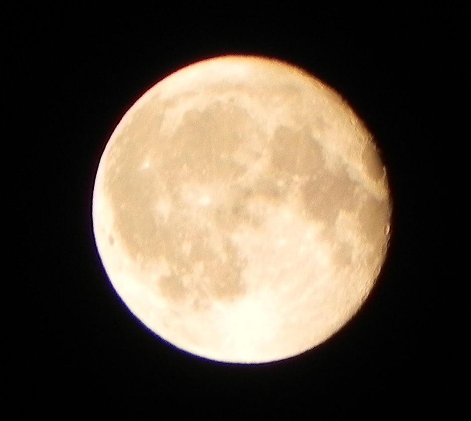 Smoky Full Moon by ShebaKoby