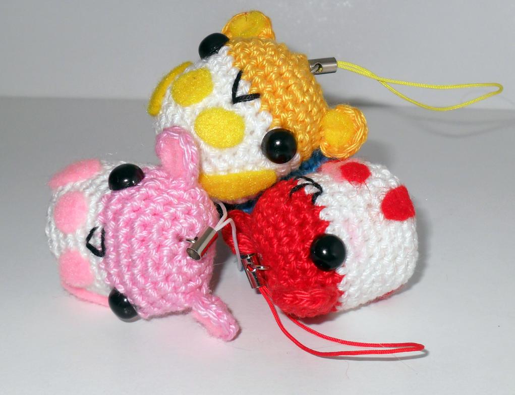Frida Kahlo Amigurumi Free Pattern : Itty Bitty Amigurumi Hamster (free pattern) by circummisso ...