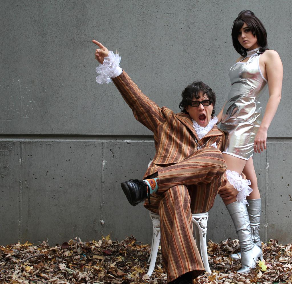 Yeah Baby! Austin Powers and Vanessa Kensington by phantomonex