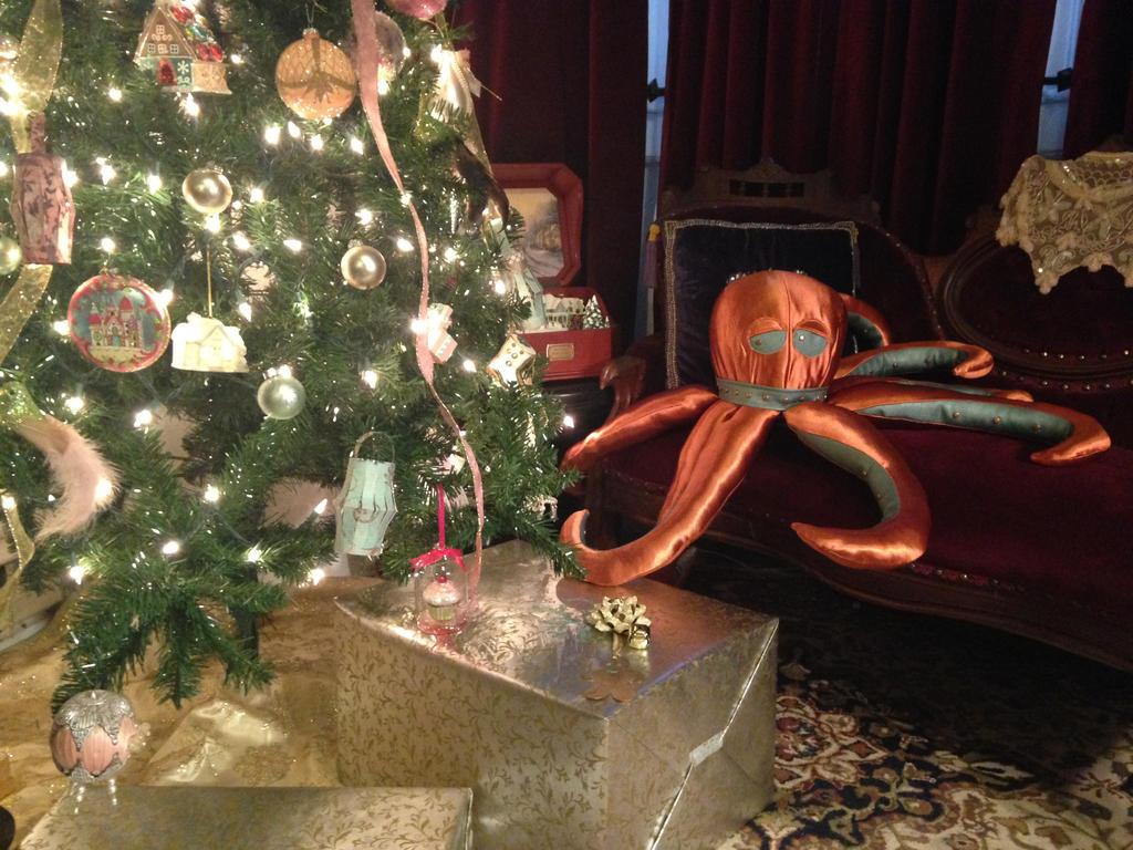 Hector the Octopus: 2 by phantomonex