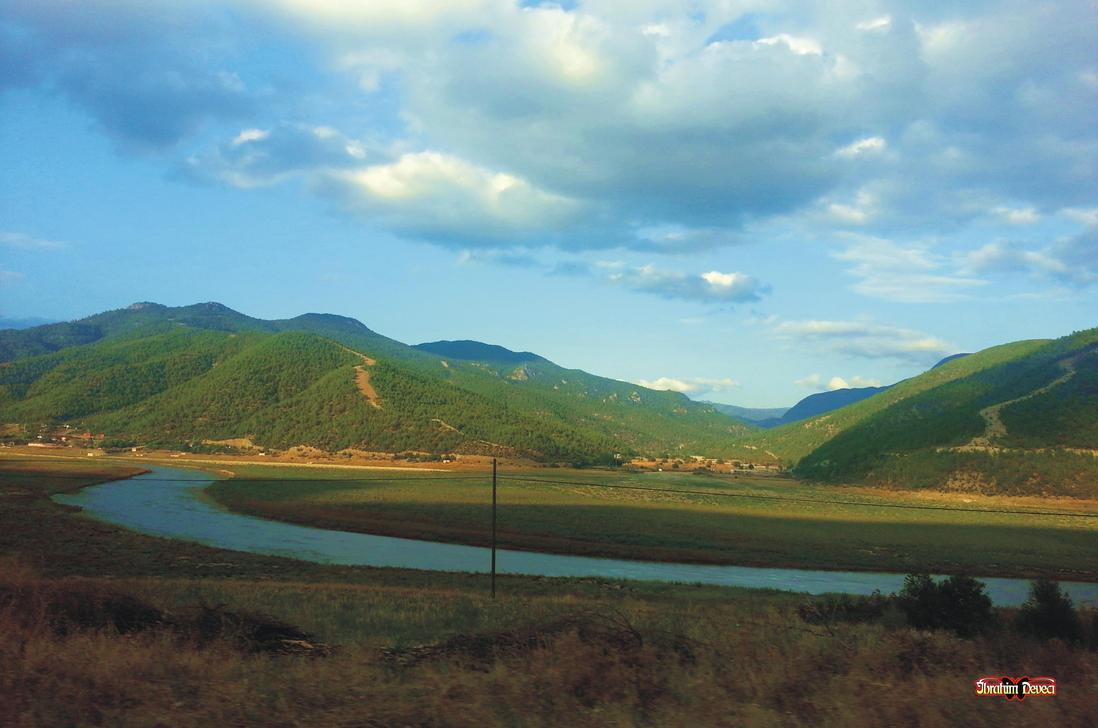 landscape ( kizilirmak) Turkey by deveciufuk