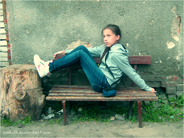 I'm 13 years old . I really love photography,graphics,dance,music and