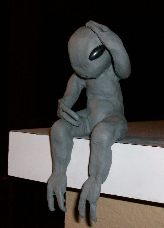 Attempted alien clay sculpture by TinyAna