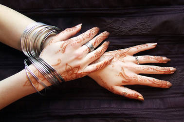 Sleepless henna out by martucia
