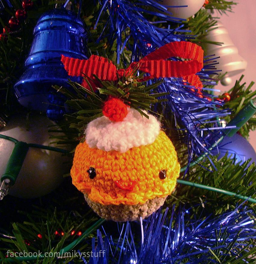 Cupcake Ornament by Mikyechelon