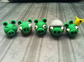 Angry Bird Piggies by KatGore