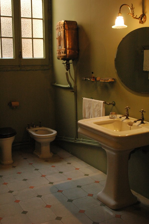 Art Nouveau bathroom by ~guillem on deviantART