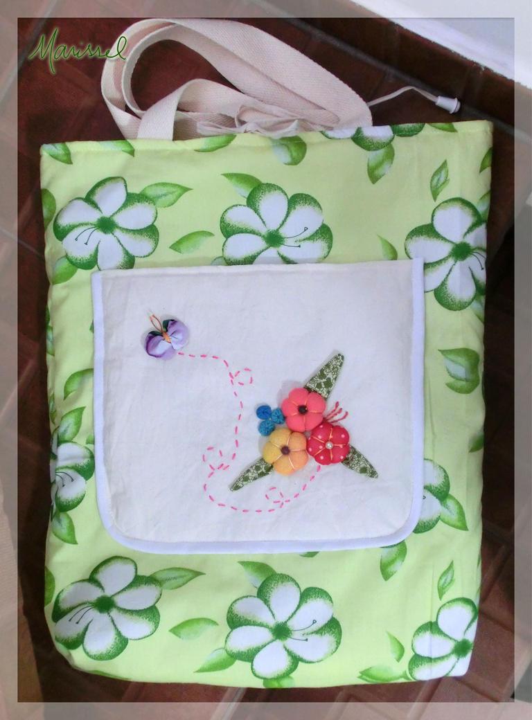 Flores com borboleta (bolsa) by marissel