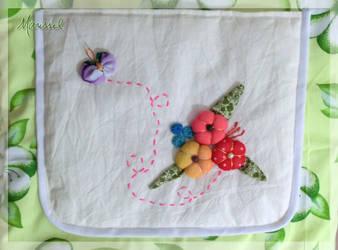 Flores com borboleta (bolsa) - detalhe by marissel