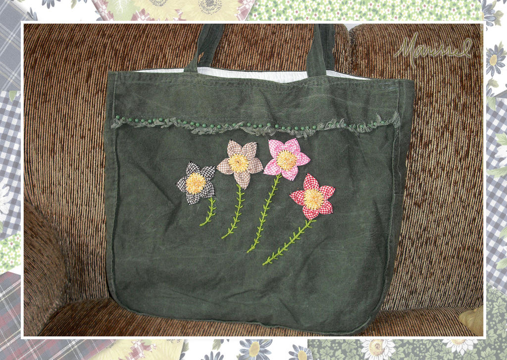 Four Flowers Handbag by marissel
