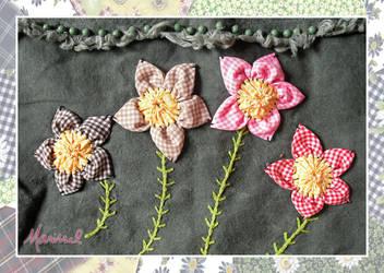 Four Flowers Handbag (detail) by marissel