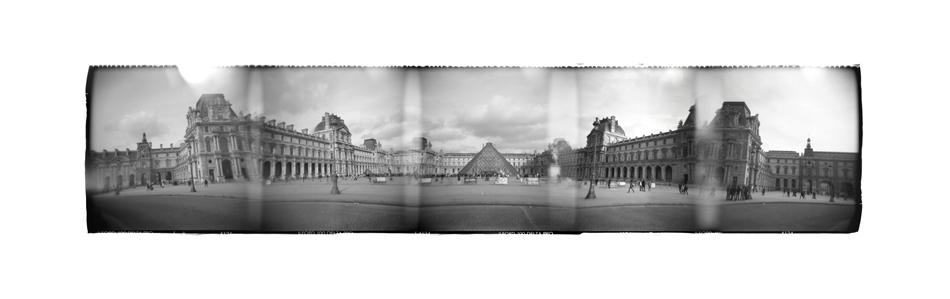 Le Louvre by Veniamin