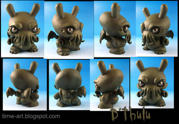 D'thulu, the Destroyer custom dunny