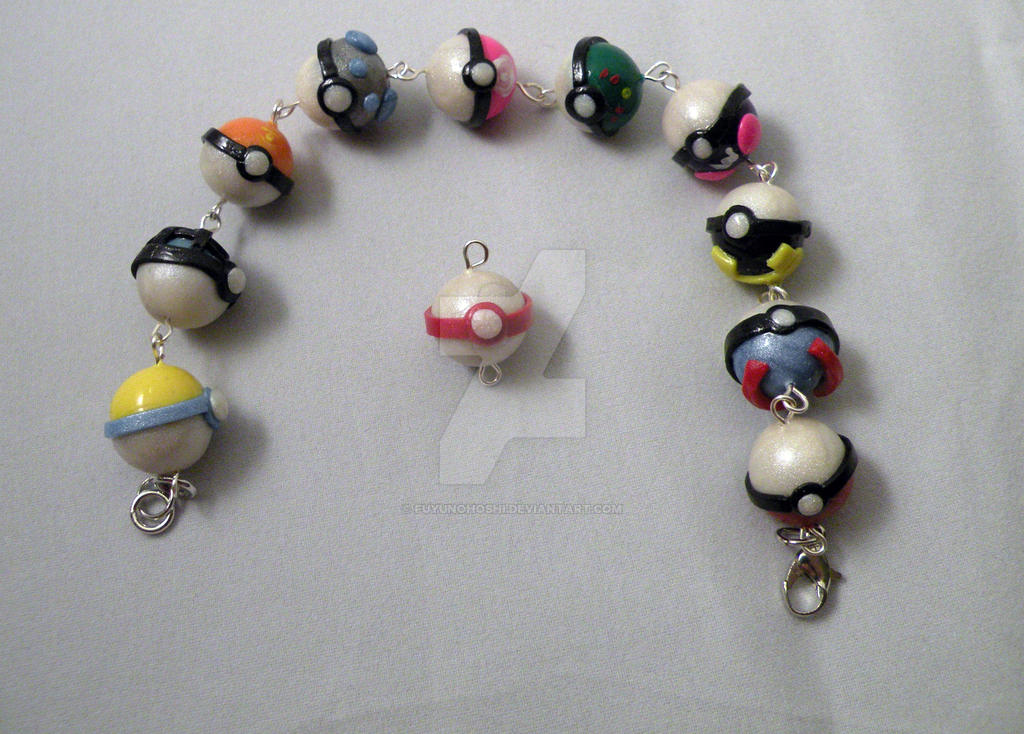 Pokeball Bracelet by FuyunoHoshi