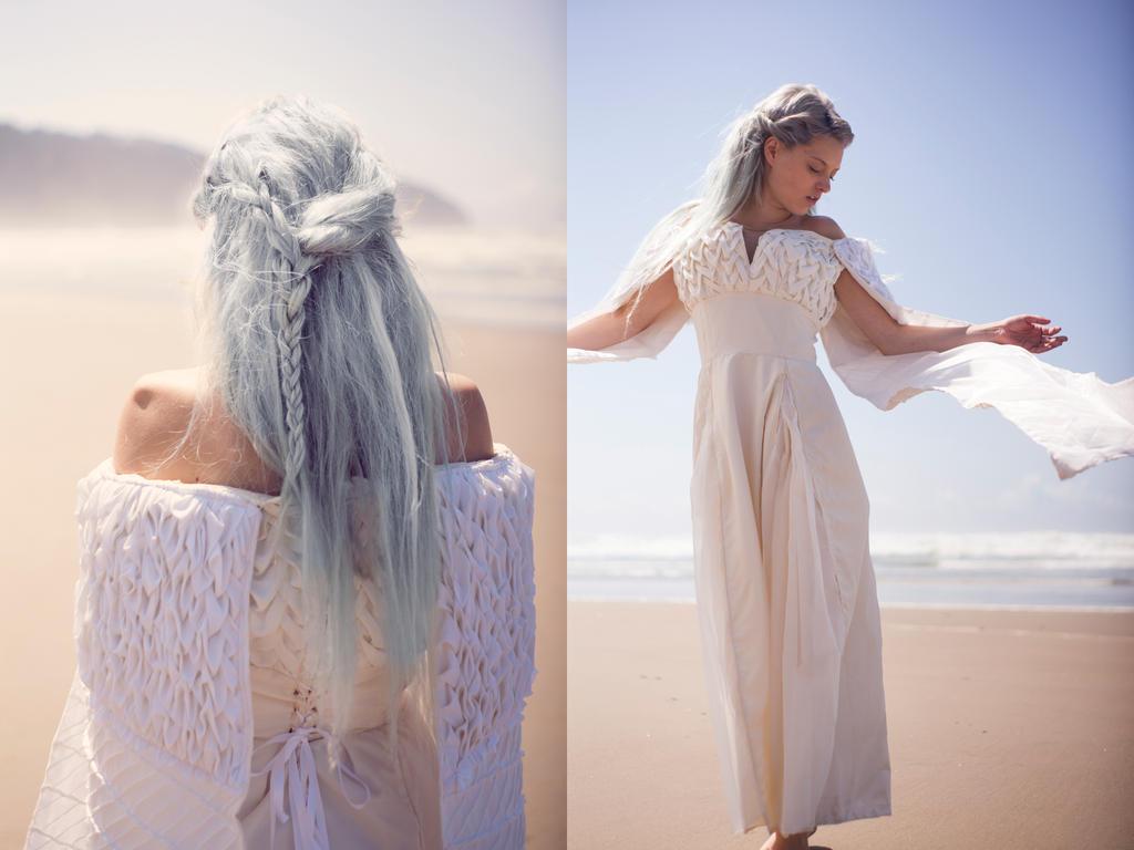 Daenerys targaryen white scale dress from season 5 episode for Daenerys targaryen costume tutorial
