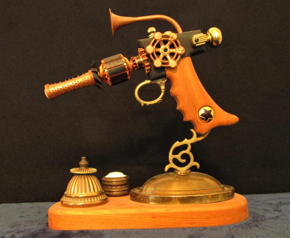 Steampunk Ray Gun by zimzim1066