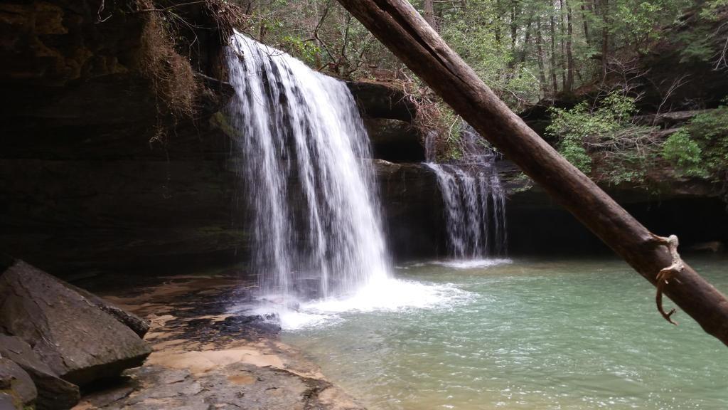 Caney Creek Falls by dsjordan420